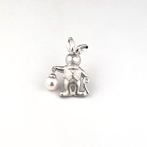 SVアコヤ真珠ピンブローチ(うさぎ)